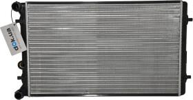 Радиатор охлаждения двигателя Nissens 652011